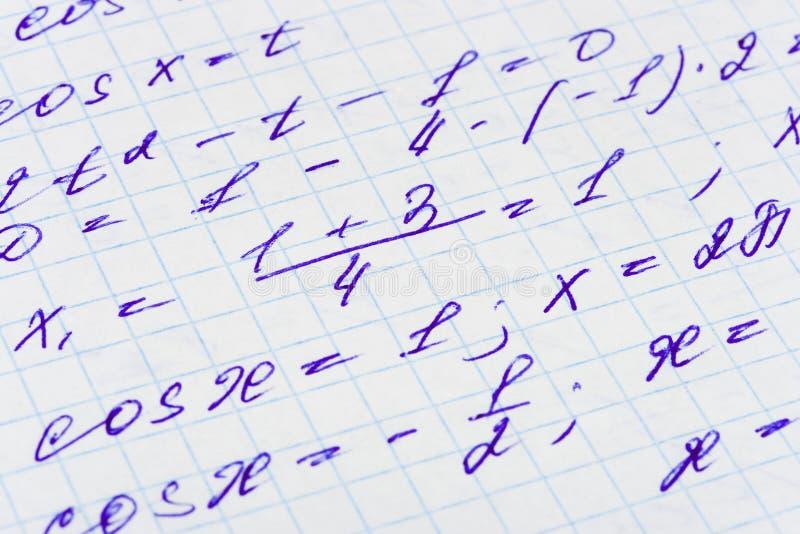 Formule de mathématiques sur le papier image stock