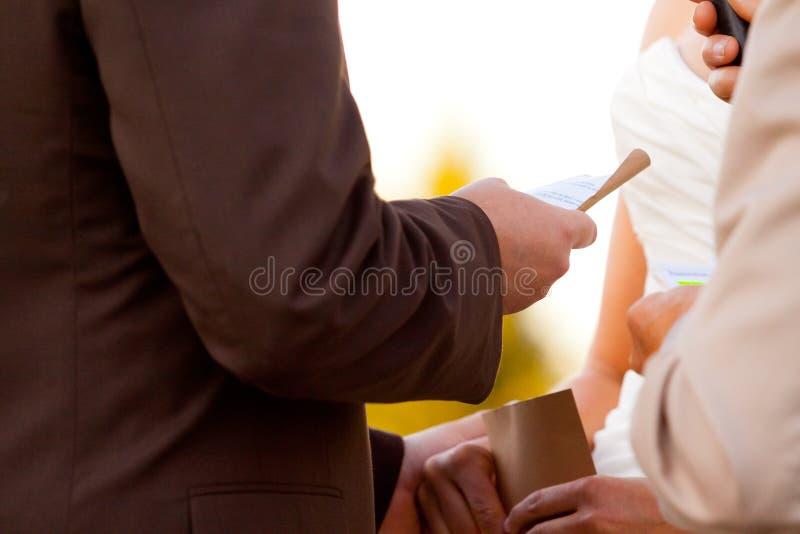 Fornala czytania ślubowania panna młoda zdjęcie stock