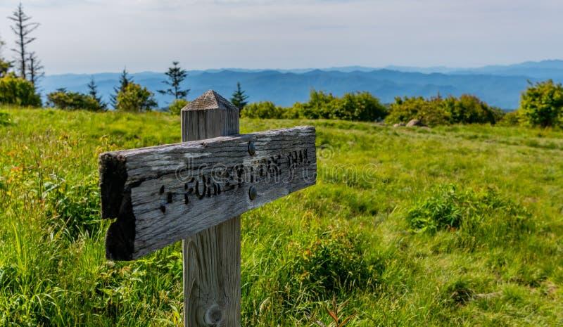 Forney Ridge Sign em Andrews Bald imagem de stock