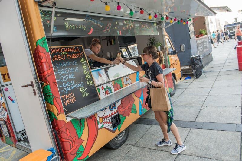 Fornitore di alimento mobile dentellare immagine stock libera da diritti