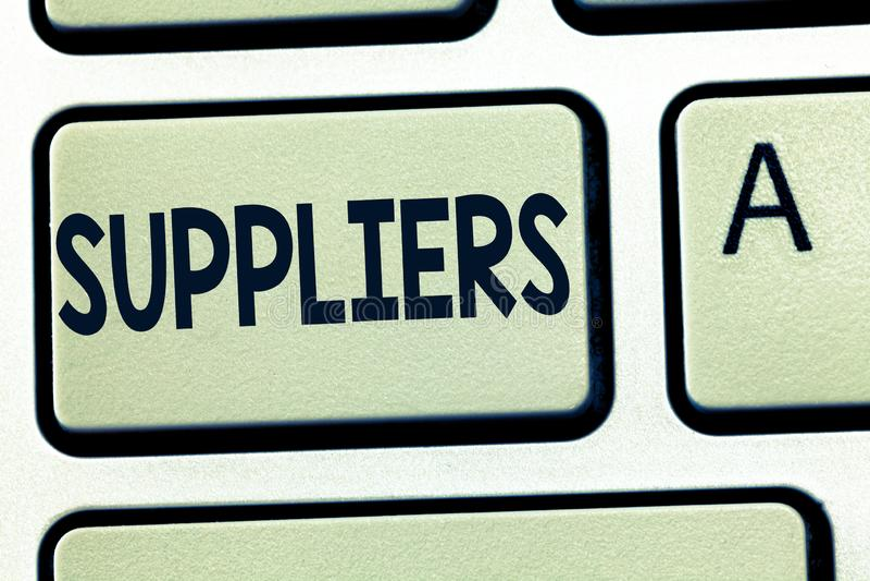 Fornitori del testo di scrittura di parola Il concetto di affari per i fornitori di qualcosa ha avuto bisogno di come i prodotti  fotografia stock libera da diritti