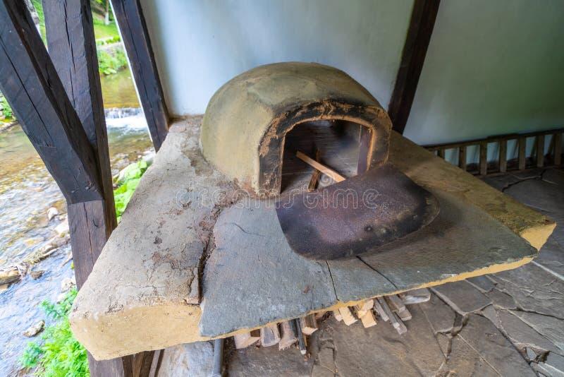 Forno antigo em Etera complexo etnográfico em Bulgária imagem de stock royalty free