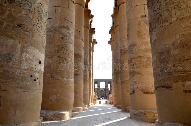 Forntida arkitektur av Egypten royaltyfri fotografi