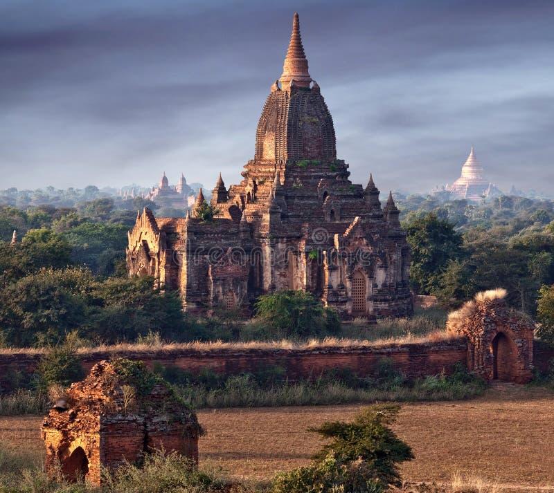 forntida bagan myanmar pagoda royaltyfri foto