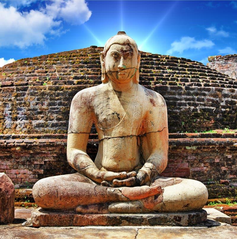 Forntida Buddha arkivbild