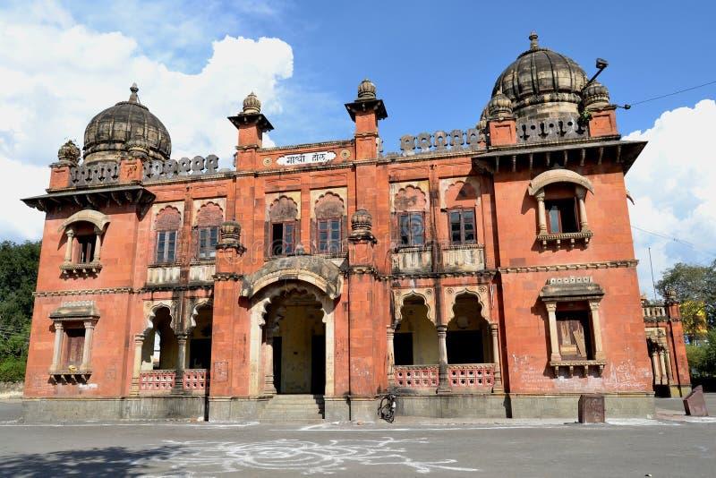 Forntida byggande Gandhi Hall av Indore royaltyfria bilder