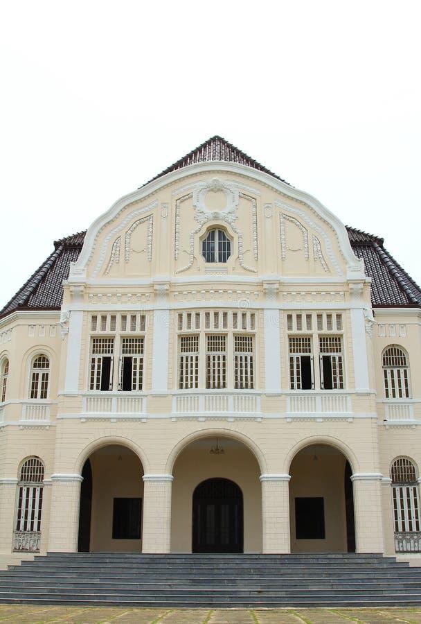 Forntida byggnader i Phetchaburi royaltyfri bild