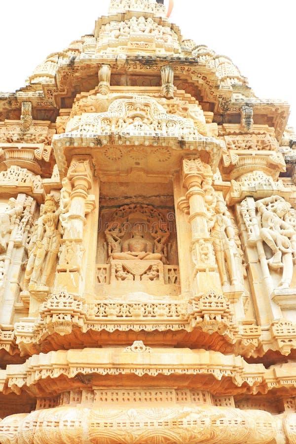Forntida carvings i det massiva Chittorgarh fortet och jordningsrajasth arkivbild