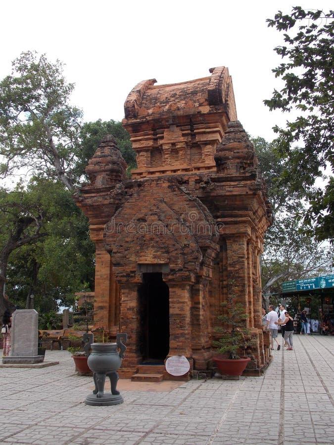 Forntida Chamtempel, Vietnam royaltyfri foto