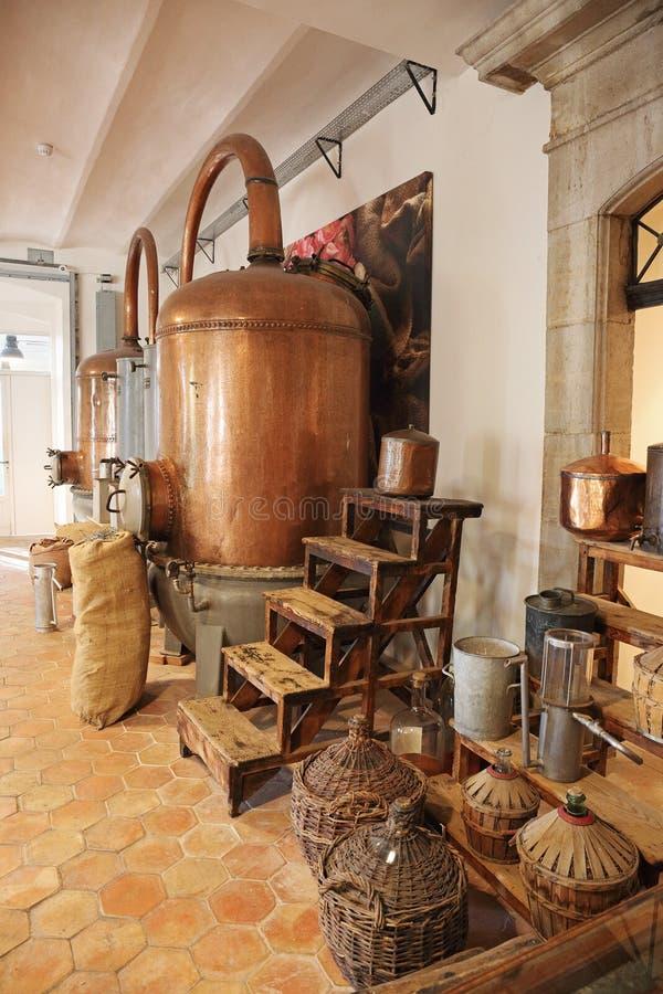 Forntida doft för destillationsapparat för tillverkning av i Fragonard royaltyfri bild