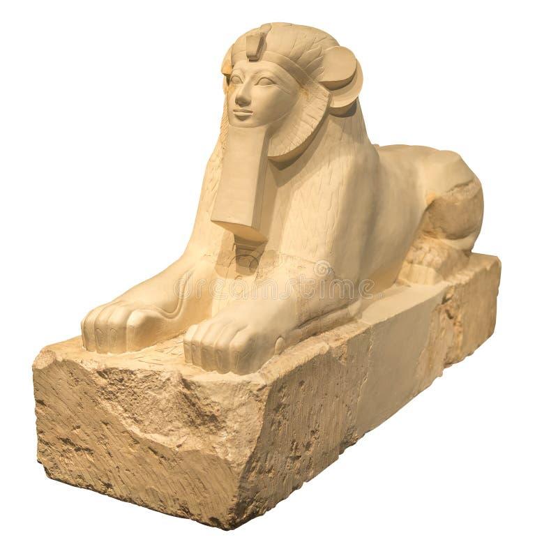 Forntida egyptisk skulptur av en sphynx som isoleras på vit arkivbilder