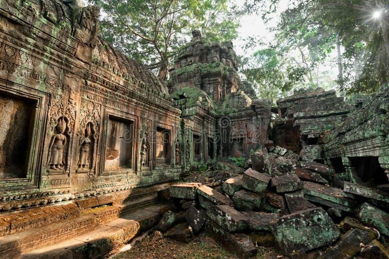 Forntida en khmerarkitektur Tempel f arkivfoto