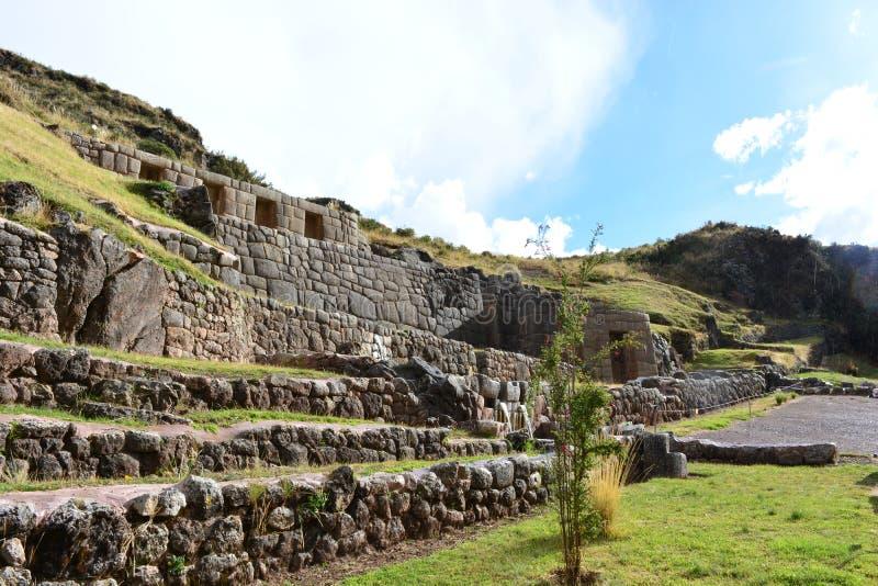 Forntida fördärvar av den Tambomachay Baño incaen, i Cusco, Peru royaltyfria bilder