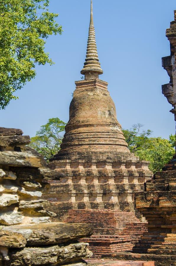 Forntida fördärvar av Sukhothai kultur arkivfoton