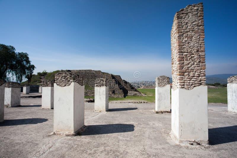 Forntida fördärvar av Tula de Allende royaltyfria foton