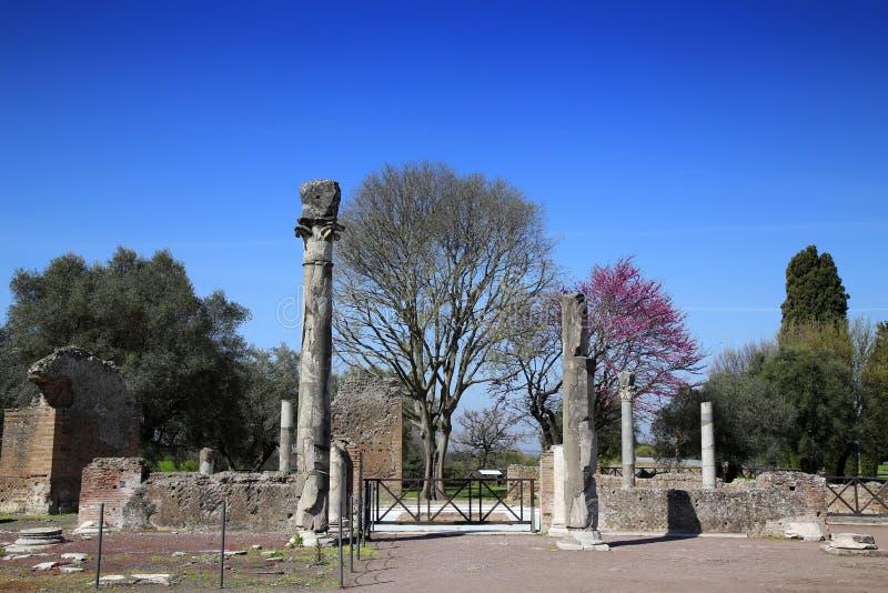 Forntida fördärvar av villan Adriana, Tivoli, Italien royaltyfri foto