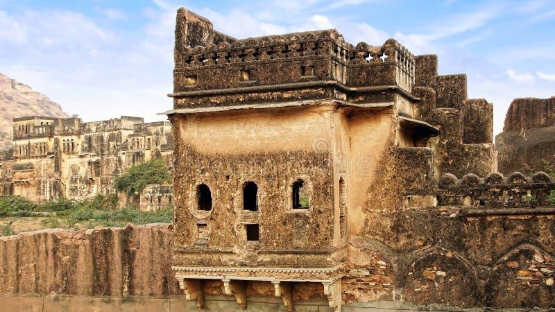Forntida fördärvar. Bundi slott, Indien arkivbild