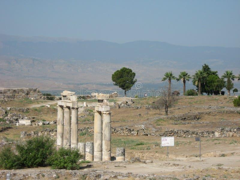 Forntida fördärvar i Hierapolis arkivfoton