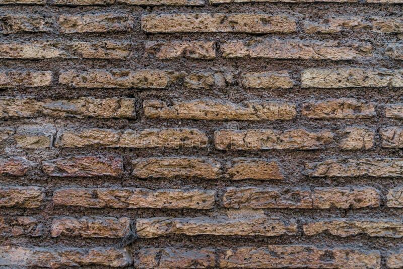 Forntida gammal textur för vägg för röd tegelsten för grunge som bakgrund royaltyfria foton