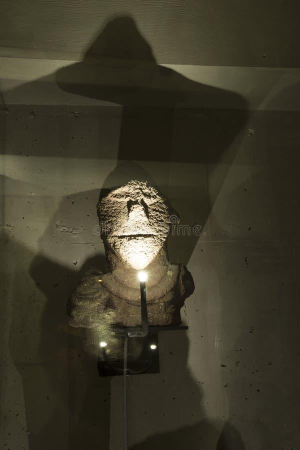 Forntida härlig staty arkivfoto