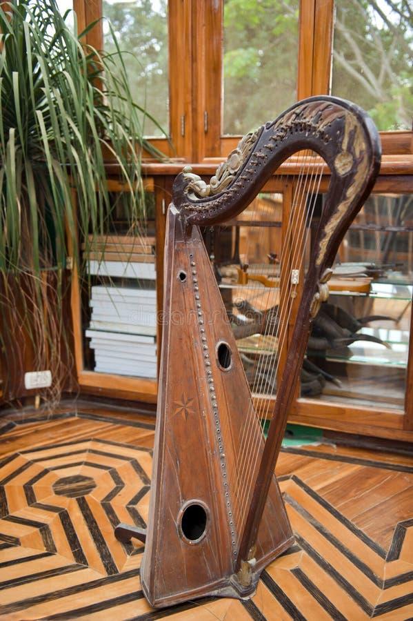 Forntida harpa royaltyfri fotografi