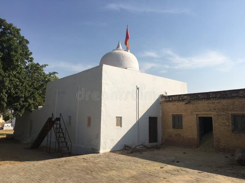 Forntida hinduisk kloster royaltyfri bild
