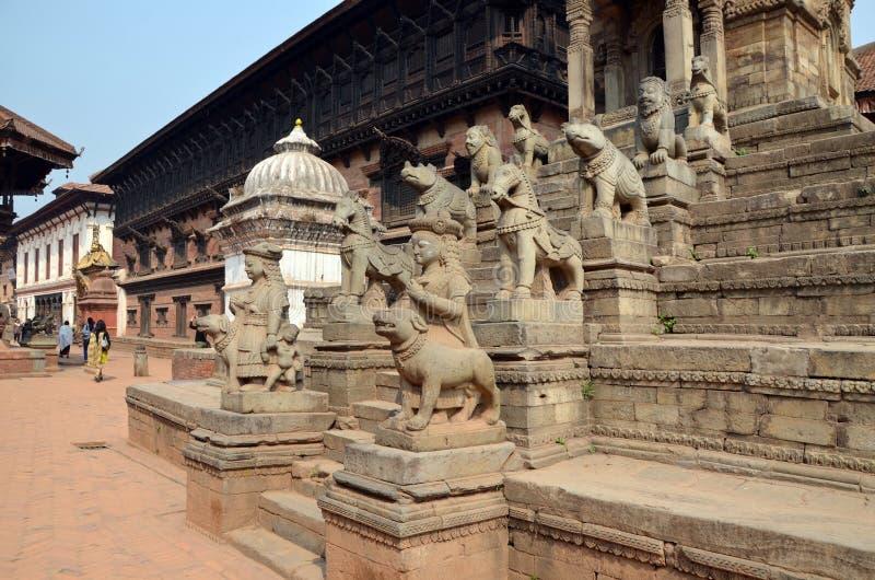 Forntida hinduisk tempel i Nepal arkivbilder