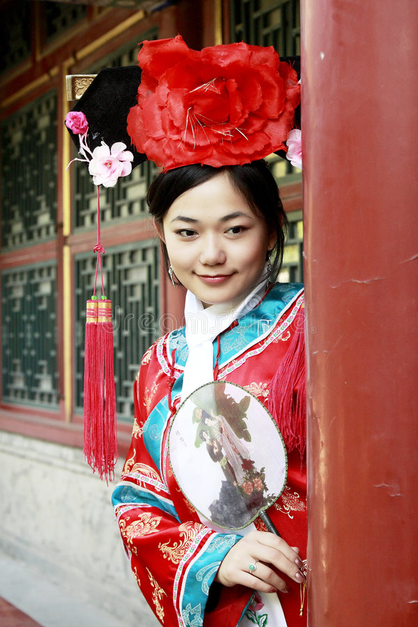 forntida kinesisk klänningflicka arkivfoton