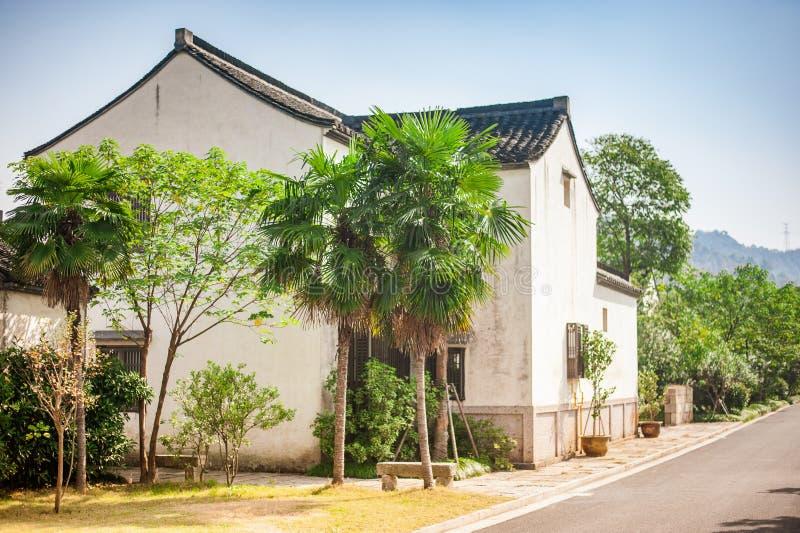 Forntida kinesiskt klassiskt traditionellt hus arkivfoton