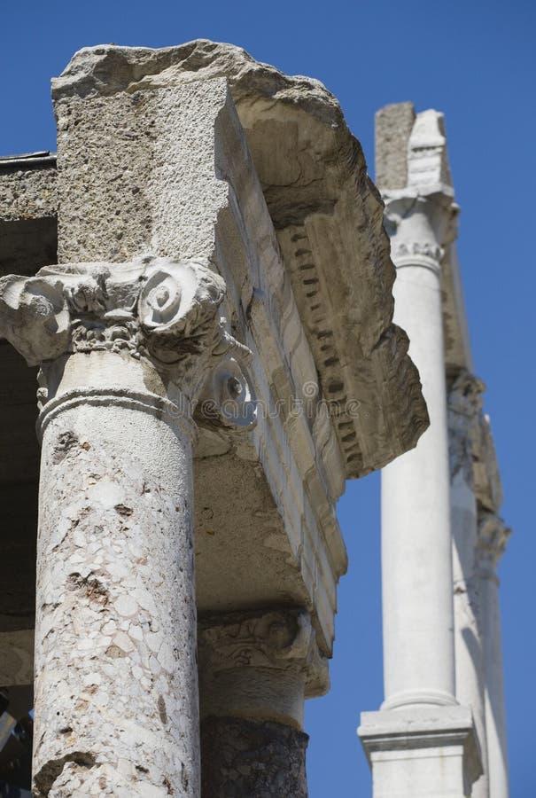 forntida kolonnphilippi royaltyfri bild