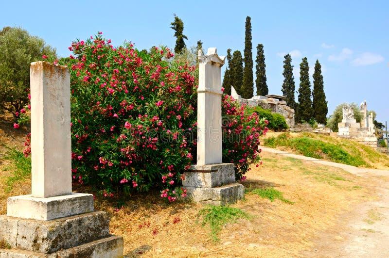 forntida kyrkogård royaltyfria bilder