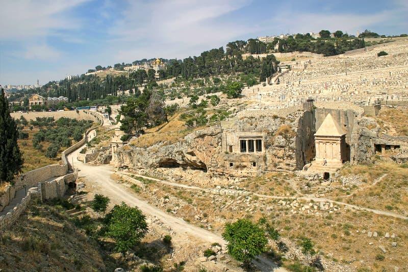 Forntida kyrkogård i Jerusalem, Israel. arkivbild