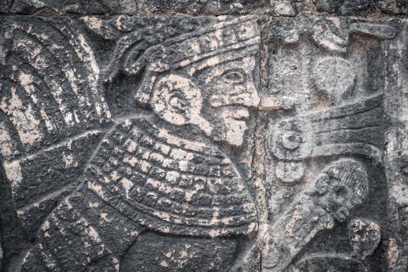 forntida mayan l?ttnadssten arkivbild