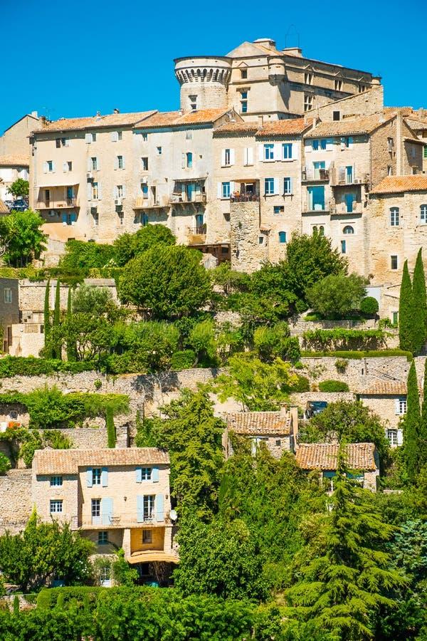 Forntida medeltida by av Gordes, Provence, Frankrike royaltyfri foto