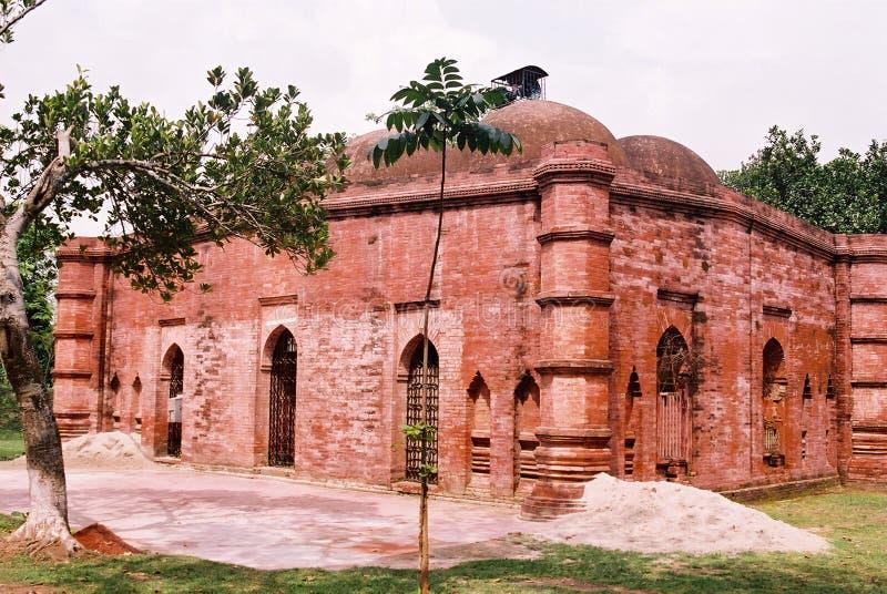 Forntida moské i Jhenaidah arkivfoton