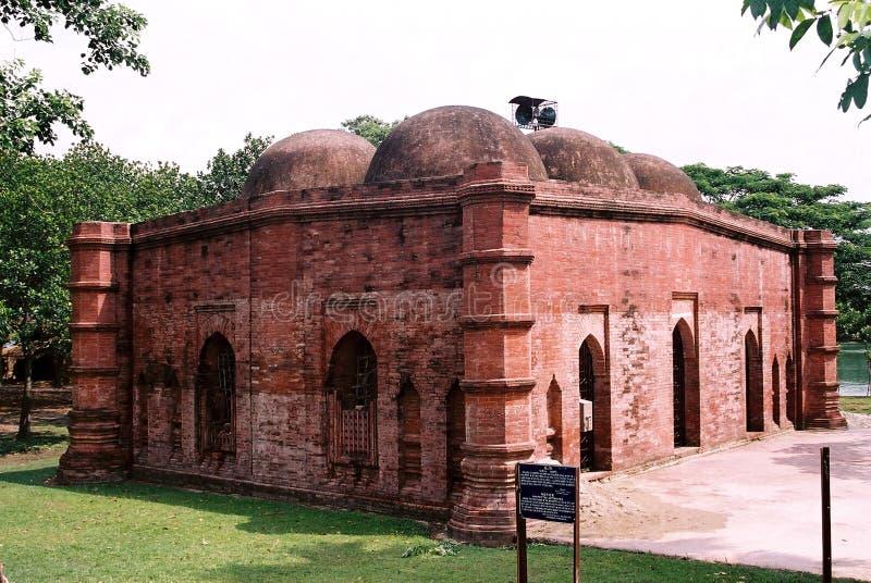 Forntida moské i Jhenaidah arkivbild