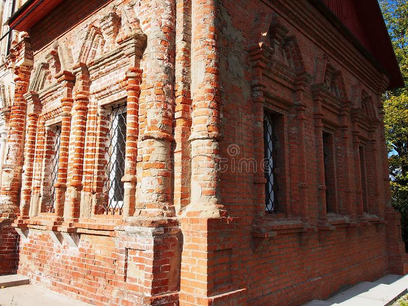 Forntida murverktegelstenar p? byggnader H?rlig konst av byggnadsbyggnader Detaljer och n?rbild arkivfoton