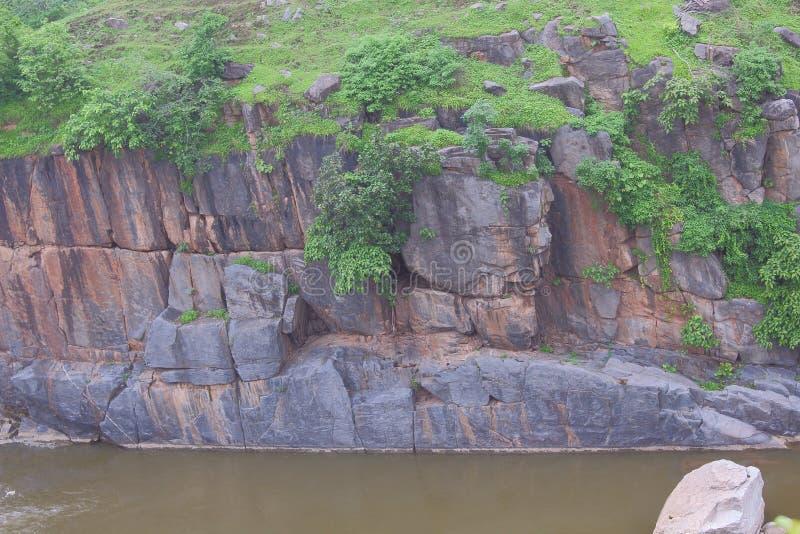 Forntida naturliga vaggar av stenen fotografering för bildbyråer
