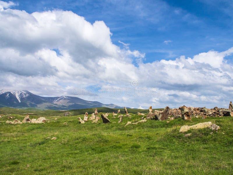 Forntida observatorium av Zorats Karer, Karahunj, berömd armenier Stonhenge i Sisian, Armenien 29 fotografering för bildbyråer