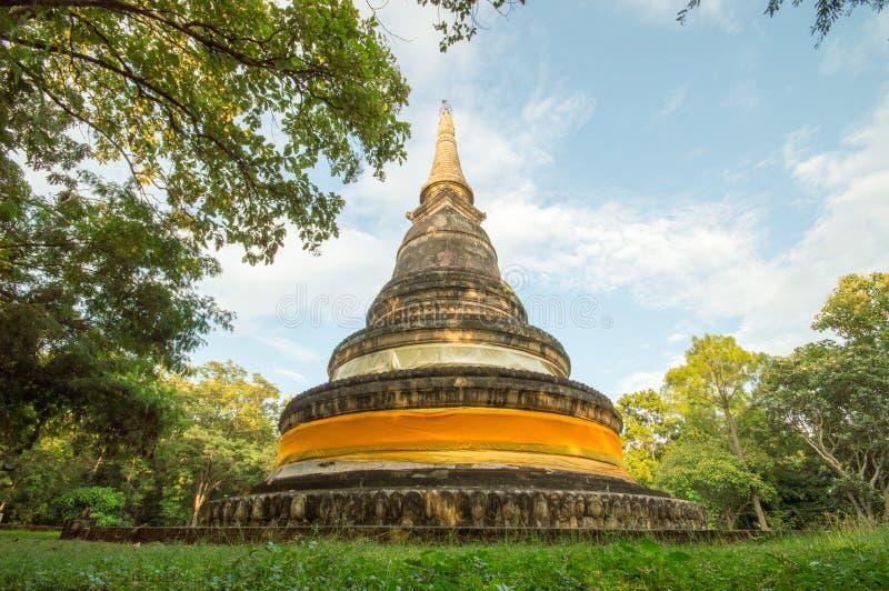 Forntida pagod av den Wat Umong templet i Chiang Mai, Thailand royaltyfri fotografi