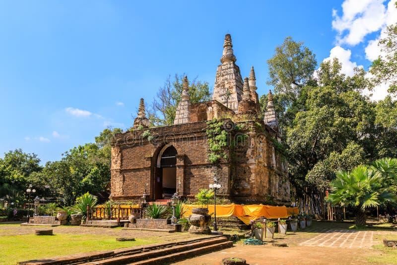Forntida pagod på Wat Photharam Maha Wihan Chet Yot Chiang Man i Chiang Mai, nord av Thailand fotografering för bildbyråer
