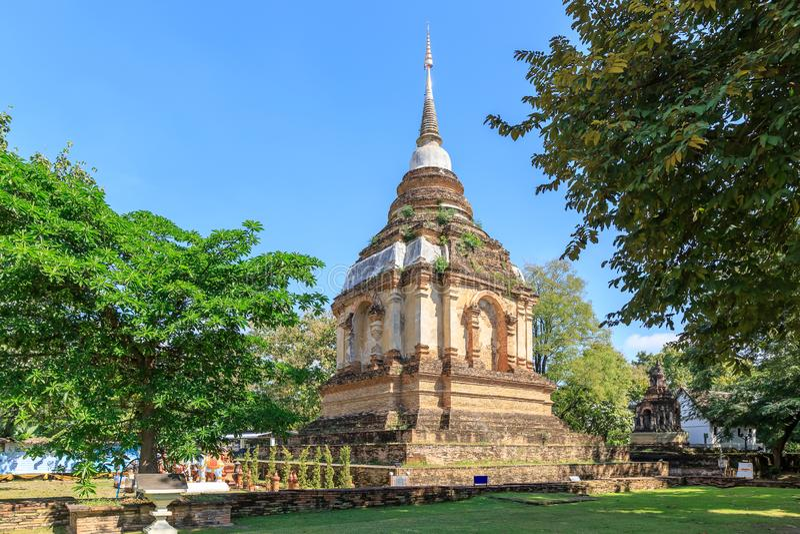 Forntida pagod på Wat Photharam Maha Wihan Chet Yot Chiang Man i Chiang Mai, nord av Thailand royaltyfria foton