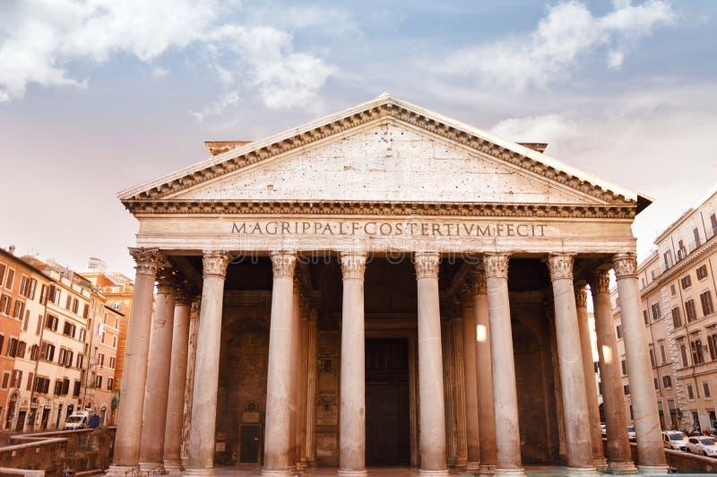 Forntida panteon i Rome, Italien royaltyfri fotografi