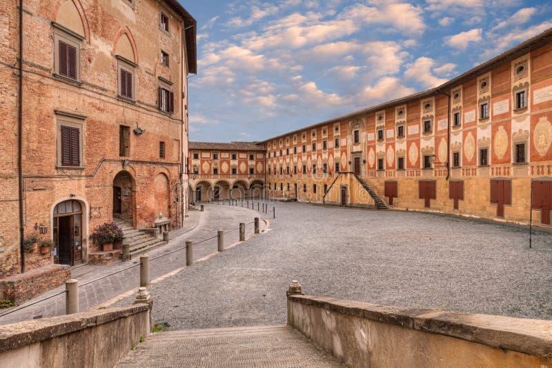 Forntida seminarium i San Miniato, Tuscany, Italien royaltyfri foto