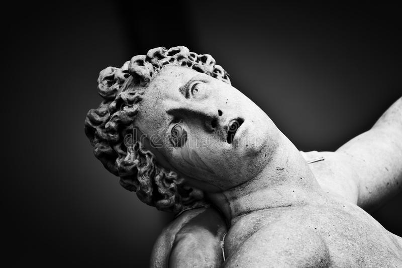 Forntida skulptur av våldta av Sabine Women florence italy royaltyfria bilder