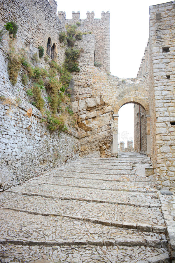 Forntida slott 1 arkivbilder