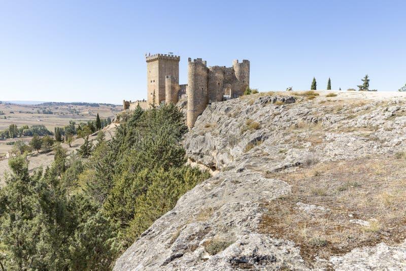 Forntida slott av Penaranda de Duero arkivfoto