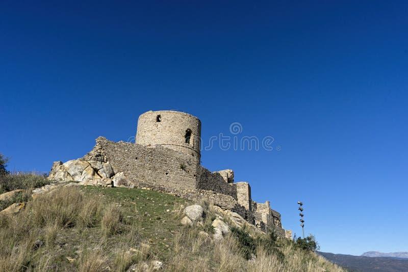 Forntida slottalmohades av Andalusia, alczaba av Jimena de la Frontera i det Cadiz landskapet fotografering för bildbyråer