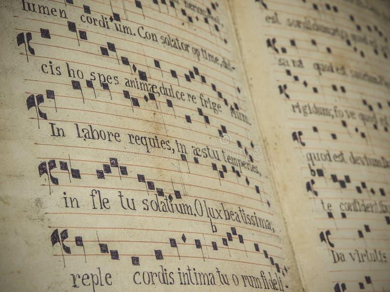 Forntida ställning för sakral musik arkivfoton