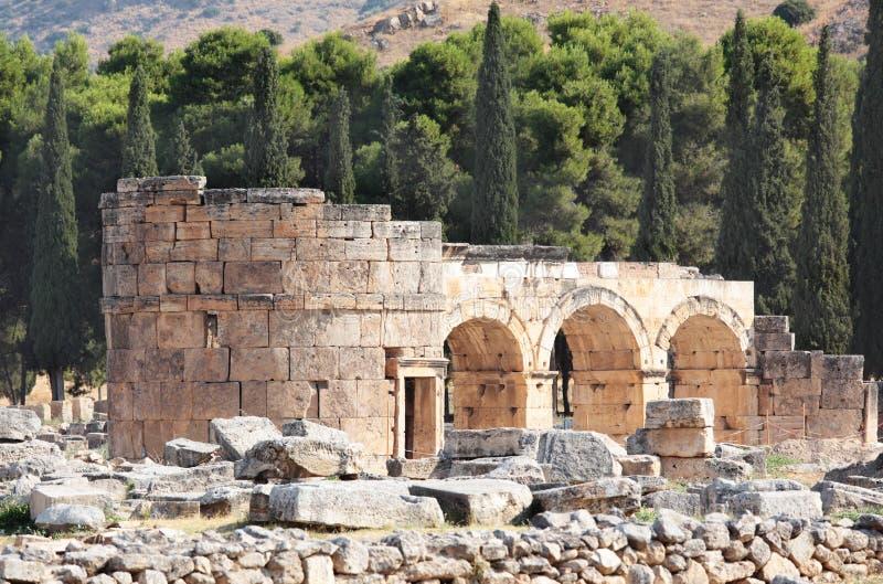 Forntida stad av Hierapolis, Pamukkale, Turkiet royaltyfri foto